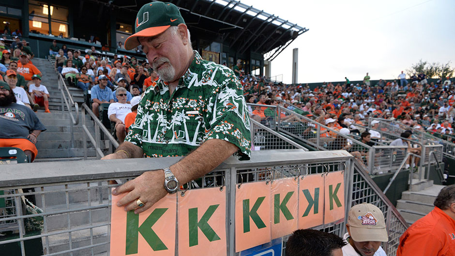 Hurricanes Fans Energize the Light as UM Advances to Super Regional