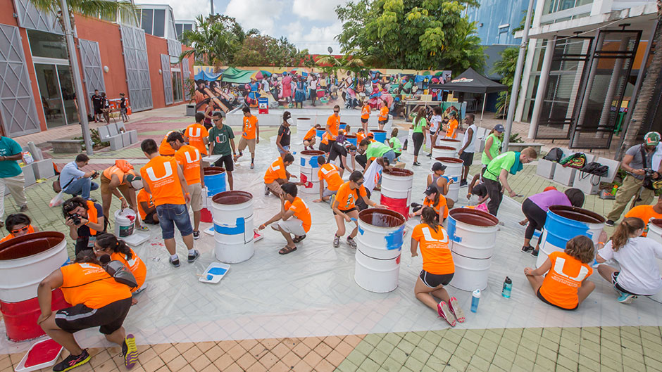 Students Display Good Will and Volunteer Spirit during Orientation Outreach