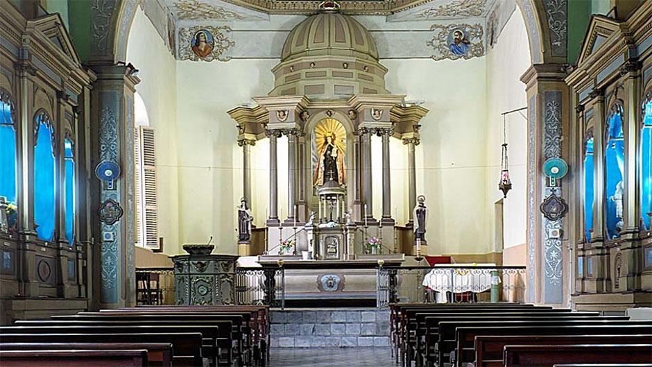 Um professor works to preserve churches in cuba - Carlos domenech ...
