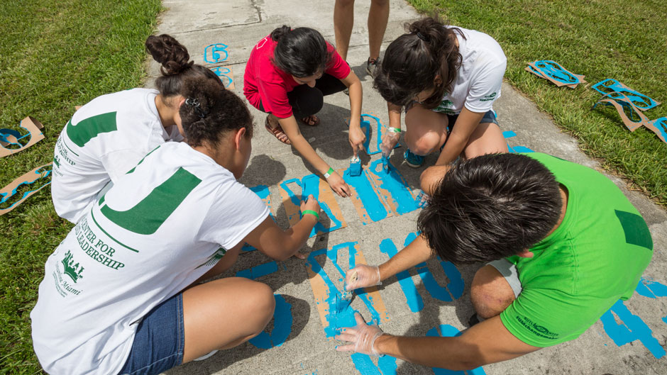 UM students participate in Orientation Outreach service day