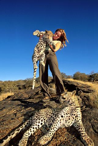 Mireya Mayor with cheetah cub