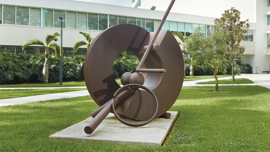 Chryssa Vardea-Mavromichali, Large Metal B, ca. 1958, aluminum. Collection of the Lowe Art Museum, University of Miami. Gift of Mr. and Mrs. Aron B. Katz, 82.0227.
