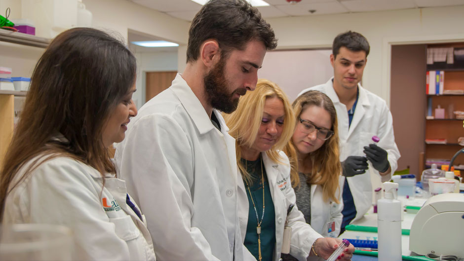 Biomedical researchers at the University of Miami Miller School of Medicine are developing a COVID-19 point-of-care diagnostic test in collaboration with biopharmaceutical company Heat Biologics, Inc.