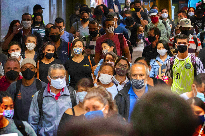 Movement of people at the Luz Station of the Sáo Paulo subway on June 17, 2020. State recorded record deaths from Covid-19 for two straight days this week. Photo: Associated Press