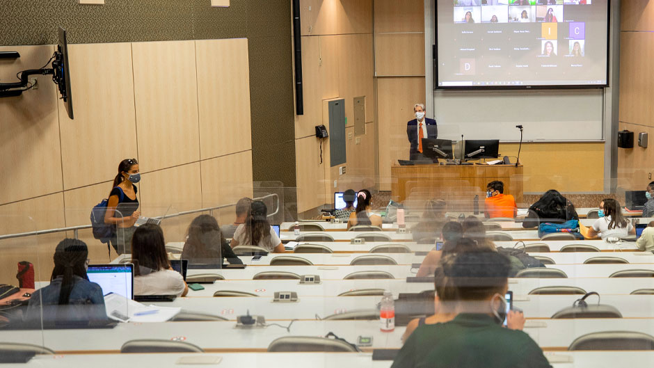 President Julio Frenk teaches a class on global health to students on Tuesday in the Whitten Learning Center. Photo: Mike Montero/University of Miami