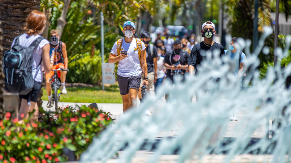 After completing the spring 2020 semester virtually, students returned to the Coral Gables Campus in August for the fall 2020 semester. PHOTO: TJ Lievonen/University of Miami