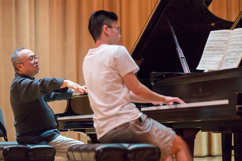 Frost Chopin Academy connects professionals, students. Photo: Jenny Abreu for the Frost School of Music