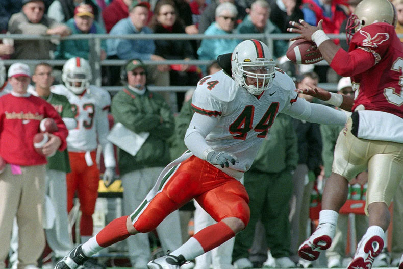 Former linebacker inducted into College Football Hall of Fame