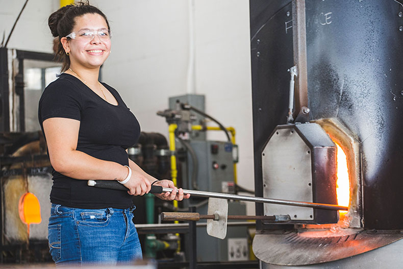 Kimberly Diaz a Glassblowing Artist in the Making