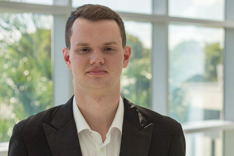 Stamps tubist Stefan Hopman creates mobile app for musicians