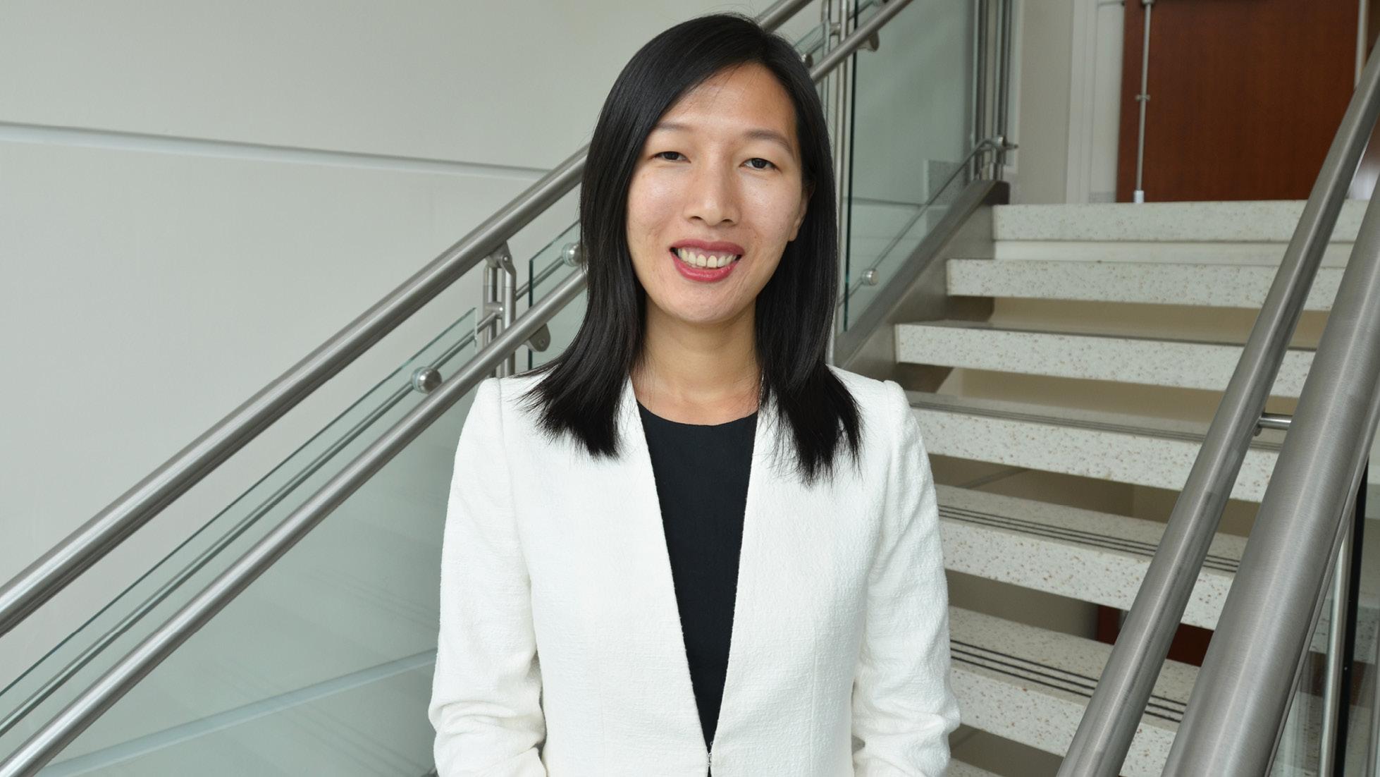 Nursing faculty member receives national nursing research award